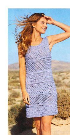 Ажурное голубое платье спицами