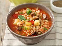 Avec les lectrices reporter de Femme Actuelle, découvrez les recettes de cuisine des internautes : Soupe rustique à l'orge