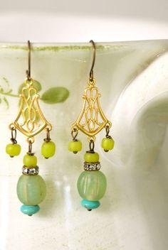 Catalina.+boho+beaded+dangle+earrings.+por+tiedupmemories+en+Etsy