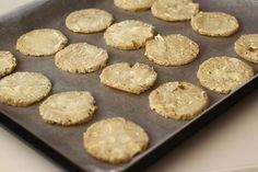 4 feluri de aperitive festive - rapid și ușor de făcut   Laura Laurențiu Griddle Pan, Avocado, Cookies, Desserts, Food, Crack Crackers, Tailgate Desserts, Deserts, Lawyer