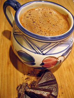 Mexican hot chocolate my mom makes this every christmas! Que rico! Real Mexican Food, Mexican Drinks, Mexican Cooking, Mexican Dishes, Mexican Food Recipes, Dessert Drinks, Yummy Drinks, Yummy Food, Desserts
