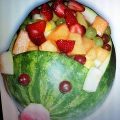 ) this is classy huh mom? Watermelon Pig, Pig Roast Party, Pig Pickin, Summer Bbq, Summer Parties, Southern Recipes, Southern Food, Luau Birthday, Luau Party
