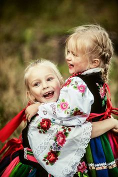Folk costumes from the region of Łowicz, central Poland. Folk Costume, Costumes, Adorable Petite Fille, Polish Folk Art, Folk Dance, Girls Rules, Arte Popular, My Heritage, People Of The World