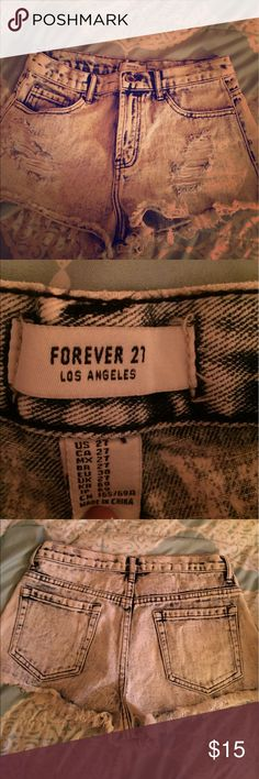 High rise distressed jeans Brand new! Brand new without tags. High rise distressed jeans! Forever 21 brand! Forever 21 Shorts Jean Shorts