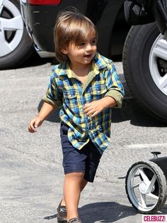 Look! Mason's got the same shirt as Quinn from Pearls and Popcorn!