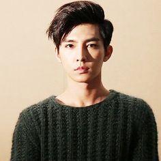 Be still, my beating heart. Aaron Yan is perfection. Aaron Yan, Lee Hyun Woo, Lee Jong Suk, Asian Actors, Korean Actors, Korean Dramas, Kpop, Refresh Man, Kdrama