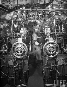 The engine room of a late 1930's diesel electric submarine Submarines are one of the greatest feats of engineering second only to maybe space travel. In 1928 a new type of submarine using a combination of diesel and electric power as a propulsion device. It worked similar to how your hybrids work now. There would usually be two massive diesel engines that would work essentially as generators to charge the electric drive system. Working in these rooms were hot, loud and dirty, but so was most…
