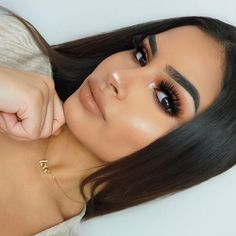 Always looking for new makeup products to create an incredible spring makeup look? Stay on top of what all the guru's and MUAs are using! Get makeup look inspiration from all the latest products released!