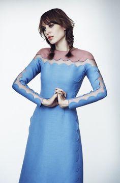 788380646e Alexa Chung in Valentino for MyTheresa.com Blog De Moda Feminina