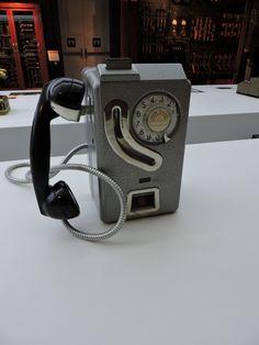 Museo Telecomunicaciones - Teléfono de fichas o monedas 5536-M de Standard…