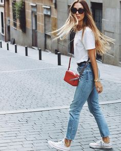 In love with my hair by . Jean Outfits, Casual Outfits, Cute Outfits, Grace Villarreal, Fashion Pants, Fashion Outfits, Vogue, Athletic Outfits, Casual Street Style