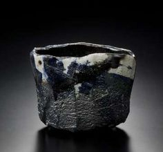RAKU Kichizaemon Black Raku tea bowl, yakinuki type 2012 Photo: HATAKEYAMA Takashi