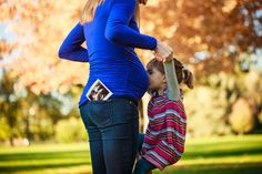 Denver maternity photographer | Colorado maternity photography | Pregnancy photos | Maternity pictures | Fall pictures | With older sibling/toddler (big sister)
