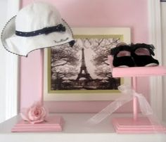 shoe and hat displays