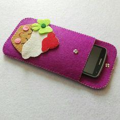 Felt Phone Cases, Diy Phone Case, Felt Diy, Felt Crafts, Felt Pouch, Felt Mobile, Felt Patterns, Mobile Covers, Glasses Case