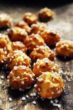 Mais pourquoi est-ce que je vous raconte ça... Dorian cuisine.com: Les classiques du week-end… les chouquettes ! Base pour 45 choux