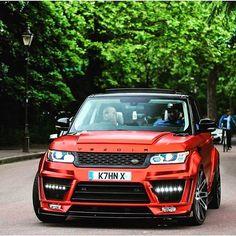 Range Rover beast 🔥 Pic Via Range Rover Evoque, Range Rover Sport, Range Rover White, Range Rovers, Luxury Boat, Best Luxury Cars, Luxury Suv, Jaguar Land Rover, Super Sport