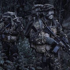 Danish homeguard Special Support and reconnaissance company Military Gear, Military Weapons, Military Life, Marsoc Marines, Camouflage, Army Pics, Tactical Operator, Special Operations Command, Military Special Forces