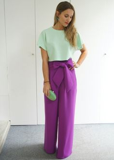 I ♡♡♡♡these purple pants! Color Blocking Outfits, Colourful Outfits, Colorful Fashion, Spring Summer Fashion, Spring Outfits, Casual Outfits, Fashion Outfits, Womens Fashion, Cool Winter