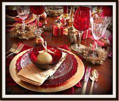 Red and Gold Christmas Christmas Tea, Elegant Christmas, All Things Christmas, Beautiful Christmas, Christmas Holidays, Merry Christmas, Christmas China, Christmas Colors, Christmas Recipes