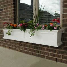 Why limit your style to the indoors? Mayne planters will transform your property into a personal retreat with outdoor flair. Built-in water reservoir encourages healthy plant growth by allowing plants