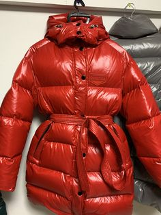 Photo by Down Fetish on January 没有照片描述。 Moncler, Puffy Jacket, Erotic, Puffer Coats, Winter Jackets, January 11, Womens Fashion, Hot, Sexy