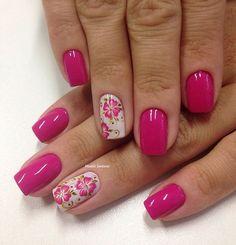 Nails #linda #florzinha #naoéadesivo #tudofeitoamaolivre #traçolivre #amooquefaço #madahsantana #manicure #nailart ❤️