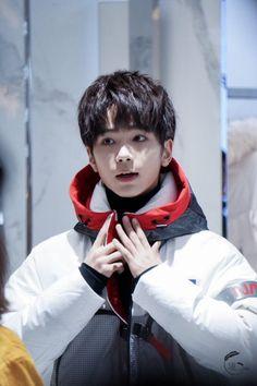Lee Won Geun, Chines Drama, Baby E, Best Dramas, Asian Cute, Cute Actors, Cute Guys, China, Idol