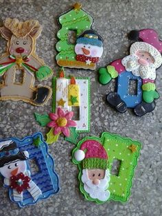 Creaciones Viky Christmas Humor, Christmas 2019, Xmas, Christmas Door Decorations, Holiday Decor, Felt Patterns, School Projects, Holidays And Events, Origami