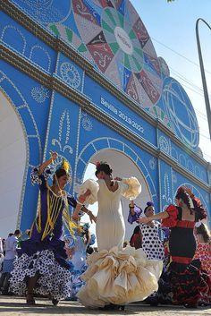 Dancing the Flamenco! Gorgeous Festival Dresses - Feria de Sevilla  Spain