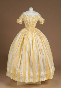 1860s extant summer gown w/ short sleeves