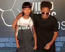 Willow Smith and Jaden Smith arrive at the MTV Video Music Awards ...