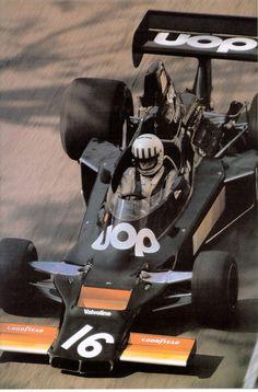 1975. Tom Pryce Shadow.