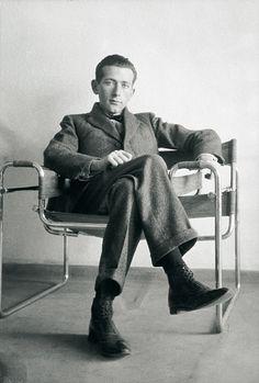Marcel Breuer im Wassily-Sessel (B3), ca. 1926 Foto: Courtesy Constance L. Breuer