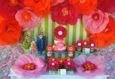 Giant Tissue Paper Flower Tutorial  Gwynn Wasson Designs: {Tips & Hints}