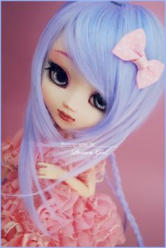 If I were to own one of those crazy expensive dolls, it would have to be a Pullip Doll. They're just way too cute to resist!