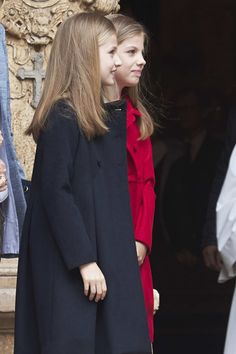 Princess Leonor Photos Photos - Princess Leonor of Spain (L) and Princess Sofia of Spain (R) attend the Easter Mass at the Cathedral of Palma de Mallorca on April 16, 2017 in Palma de Mallorca, Spain. - Spanish Royals Attends Easter Mass in Palma de Mallorca