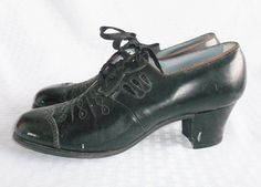 1950's Vintage Black Lace Up Oxford Shoes by by MyVintageHatShop