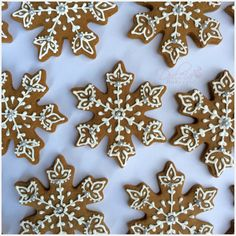 Snowflake Gingerbread Cookies find the recipe here: http://dulciabakery.com/2015/12/15/gingerbread-cookies-recipe/