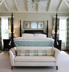 Four-poster bed with blue and white linens; bedding advice from erika powell White Bedroom, Dream Bedroom, Master Bedroom, Bedroom Bed, Bed Room, Girls Bedroom, Bedroom Seating, Bedroom Decor, Bedroom Ideas