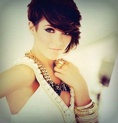 Frankie Sandford; @Kassi Dallavis Dallavis Dallavis Krous  I don't know if I'm ready to chop it off yet, but I would like something like this. If I could pull it off...