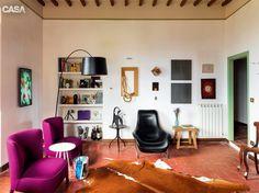 Decoração italiana atual e objetos antigos em casa medieval na Úmbria - Casa