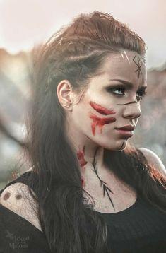 Viking Face Paint, Guerrero Tattoo, Viking Warrior Woman, Warrior Women, Viking Makeup, Warrior Makeup, Warrior Costume, Female Viking Costume, Fantasy Warrior