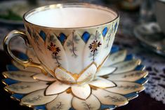 Tea is a relaxing beverage. It is perfect adjunct to what I do, talk about you. Come up with ways to empower you, soothe yourself and find solutions to challenges.  www.shoshannaapril.com Vintage China, Afternoon Tea, Teacups, Teapots And Cups, Vintage Tea Cups, Tea Party, Crumpets, Bone China Dinnerware, Lotus Tea