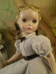 Vintage Madame Alexander doll. I had one with this face, a Maggie-face, I believe....