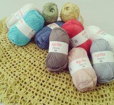 Esta es la selección de colores que tenemos en la tienda de la calidad Memphis de @katiayarns.  Es un hilo perfecto para ganchillear y 100% algodón de la máxima calidad  #alsolamano #handmade #crochet #madewithkatia #crochetshawl #ganchillo #cotton #tiendadelanas #yarnshop #valencia #benimaclet by alsolamano