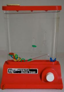 TOMY Waterful Ring Toss