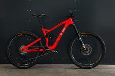 World Bicycle Relief Adventsverlosung: Unser Weihnachts-Hauptgewinn: Rotwild R.E1 FS PRO Enduro-Bike