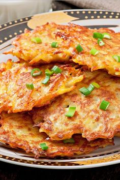 Crispy German Potato Pancakes - Pahl's Market - Apple Valley, MN - Awesome Food and Recipes - Patato Potato Side Dishes, Vegetable Dishes, Vegetable Recipes, Vegetarian Recipes, Cooking Recipes, Healthy Recipes, German Food Recipes, German Potato Recipes, Vegetable Pancakes