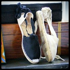 Flat espadrille with ribbons by mumishoes